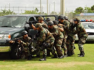 Honolulu SWAT Team (courtesy hawaiidefensefoundation.org)